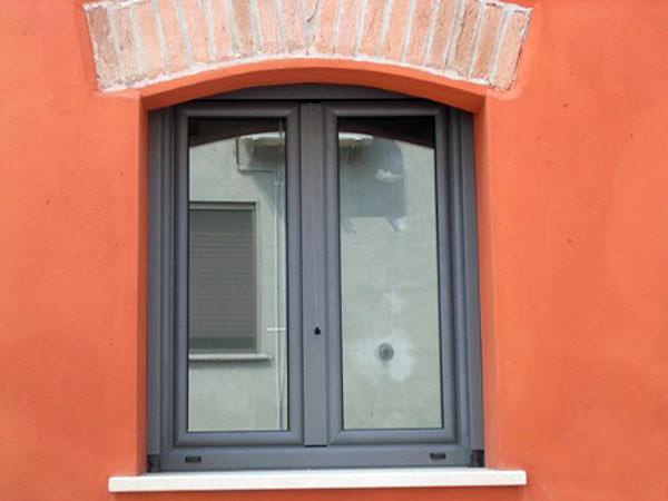 Installazione-finestre-in-alluminio-Reggio-Emilia