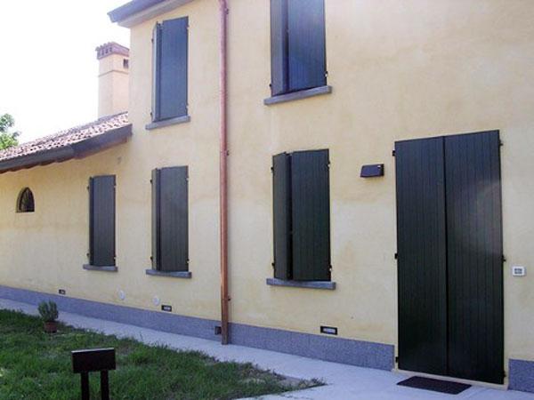 Scuri-in-Pvc-o-alluminio-Mantova-Reggio-Emilia