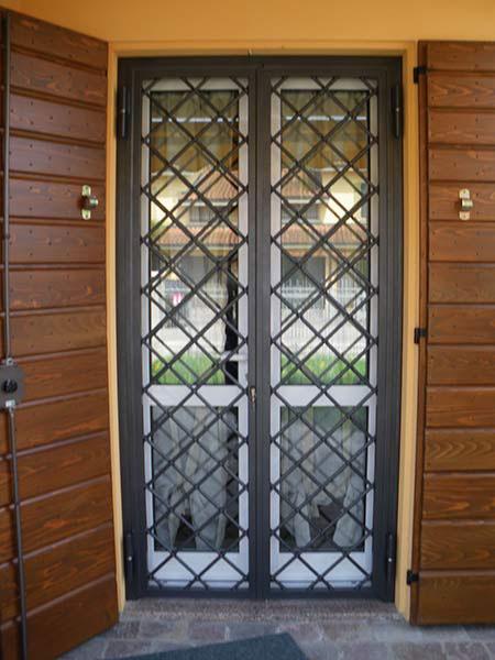 Inferriate di sicurezza mantova reggio emilia - Porte finestre in ferro ...